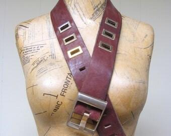 Vintage 1960s Belt / 60s Wide Brown Leather Belt with Metal Cutouts / Medium
