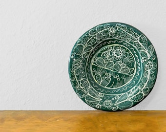 Vintage Wall Hanging Mexican Tonala Pottery Green Hand Painted Folk Art Decorative Plate Made in Mexico Southwestern Decor