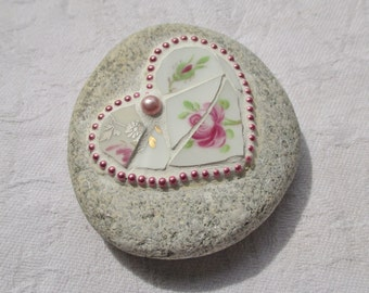 Pink Heart Mosaic Stone, Roses