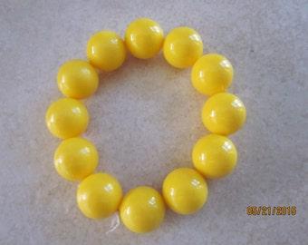 BRACELET Yellow stretch band beaded bracelet