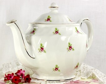 Sadler Tea Pot,  Vintage Tea, Rosebud Chintz Teapot, English Porcelain  - 12611