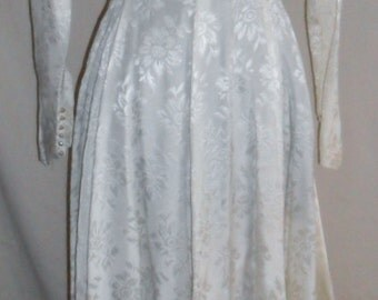Vintage brocade 1950s/60s wedding dress in ivory/cream