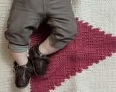 Knitting pattern, knit baby blanket, triangle, geometric, modern