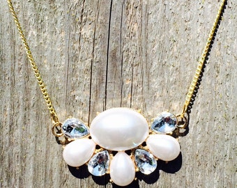 Gorgeous pearl and rhinestone statement necklace