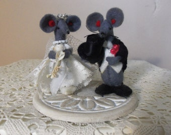 Antique Cake Topper - Mr. and Mrs. Mouse, Handmake and OOAK, 1930s, Bridal Shower, Rehearsal Dinner, Collectible, Gift Idea