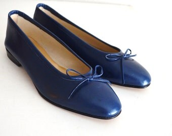 Vintage 80s 90s Italian Navy Blue Slip On Slide On Flats with Bow Tie Ballet Flat // womens US size 6 // Eur 36.5
