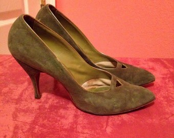 1950s Vintage Shoes- Green Suede Stiletto Heels size 71/2