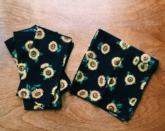 Vintage 90s Sunflower Napkins - Set of Four - Grunge Sunflowers Cloth Napkins