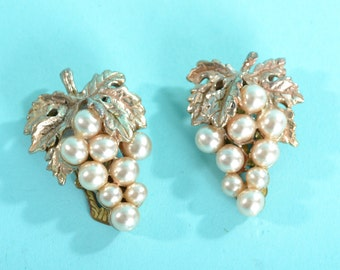 Vintage 1930s Grape Dress Clips - Faux Pearl - Winery Bridal Fashions