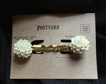 Mums the Word Hairpins in Ivory