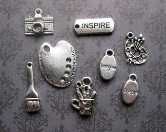 8 Art Charms in Silver Tone - C2163