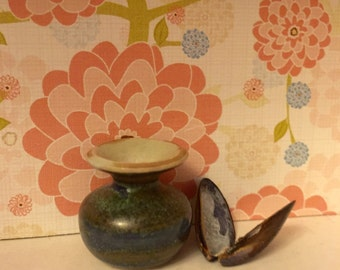 She Sells Seashells Miniature Vase