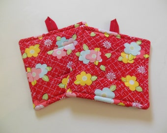 Potholders, Set of Two Quilted Potholders, Pair of Floral Potholders