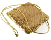 Vintage Whiting and Davis Gold Mesh Purse / Wedding Purse - Sac de Soirée.