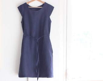 Linen dress for woman. Chameleon dress. Casual look, easy elegance. High quality softened linen. Made in Italy. Sizes S to XL.
