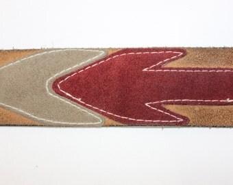 vintage 1970's -Canterbury- Men's belt. Super groovy multi-color suede 'Arrow' design.  Size 34