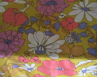 Retro flower power knit polyester fabric