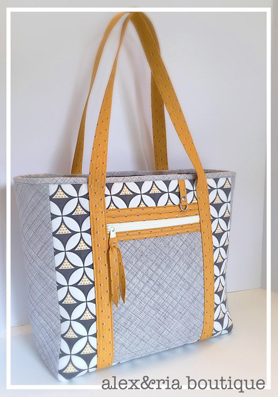 diaper bag women 39 s tote bag large travel bag gray cream. Black Bedroom Furniture Sets. Home Design Ideas