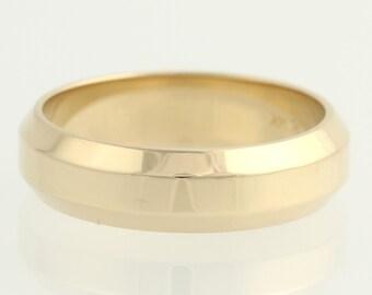 Men's Wedding Band Beveled - 14k Yellow Gold Polished Engravable 6.1mm F5227