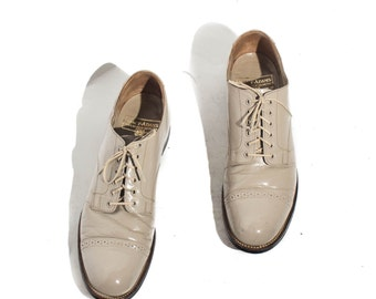 8.5 | Stacy Adams Cap Toed Oxfords Bone (Ivory) Leather Lace Up Dress Shoe