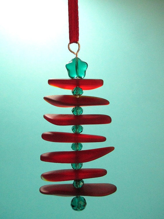 Recycled sea glass ornament red and green by itsacolorfullife