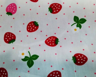 Strawberry and flower, ivory, fat quarter, pure cotton fabric