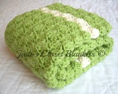 Crochet Baby Blanket, Baby Blanket, Crochet Green Baby Blanket, Sweet Pea Green and Off White, crib size