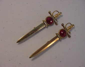 Two Matching Vintage Broadcast N.Y. Sword Brooches   15 - 910