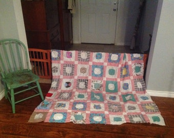 Very Vintage FARMHOUSE COTTAGE Quilt Topper Minty