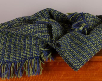 Maniototo wool children's blanket hand woven in blue and a light olive green