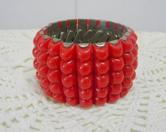Red thermoset bead expandable bracelet very vintage mid century modern
