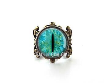 Cat Eye Ring - 24 Eye Choices Available - Vintage Brass Filigree Setting - Steampunk Evil Eye Jewelry - Dragon Eye Ring Eyeball Ring