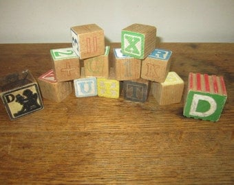 Lott of  13 Vintage Number and  Alphabet Blocks.