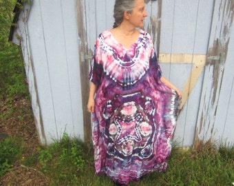 Long Caftan Dress Tie-dyed in Purple and Pink