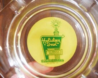 Vintage ashtray holiday inn hotel motel us travel memorabilia souvenir green and yellow