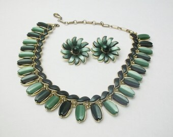 Signed Lisner Deep Jungle & Deep Sea Green Lucite Plastic Demi Parure Vintage Mid Century Mad Men Costume Jewelry Necklace Earrings