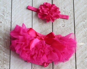 Baby Girl Ruffle Bottom Tutu Bloomer & Headband Set in Hot Pink - Newborn Photo Set - Cake Smash - Diaper Cover - Baby Gift - First Birthday