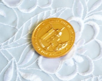 Nueva Viscaya Souvenir Coin, Vintage Gold Tone, Collectors Gift, Summer Sale, Item No. B236