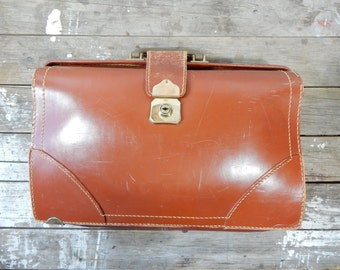 Vintage Large Brown Leather Doctors Bag, expandable, top grain cowhide