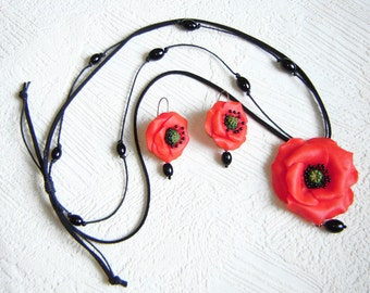 Red  poppy flower necklace and earrings. Set.