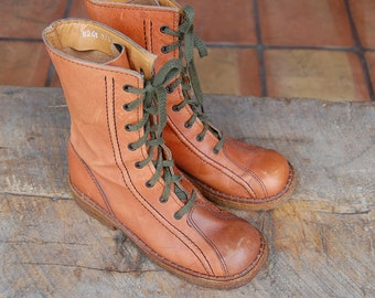 vintage Thom McAnn Leather booties boots shoes size 6 1/2 Made in Italy ladies