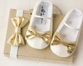Gold baby shoes, Ivory baby girl shoes, baby christening shoes, gold baby headband, flower girl outfit, gold baby shower