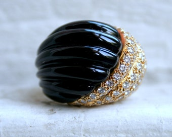 Vintage 18K Yellow Gold Diamond and Carved Onyx Dome Ring by Spritzer and Fuhrmann - 2.40ct.