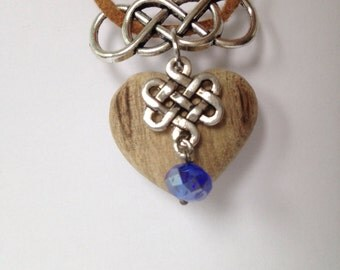 Necklace with heart pendant in wood and blue bead and pearl charm Korean knot by bois et rois