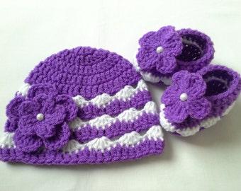Crochet Baby Booties and Baby Hat beanie gift baby purple white flower