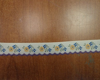 """Vintage (1970s) 7/8"""" Wide Trim, Yellow and Blue Flowers on Off-White Background"""