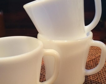 White Milk Glass Mugs, Set of Four in Classic Shape by Federal Glass