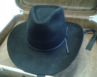 2 Resistol Cowboy Show Hats With Case