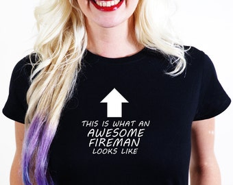 AWESOME FIREMAN T-SHIRT Official Personalised This is What Looks Like save fire fighter house man