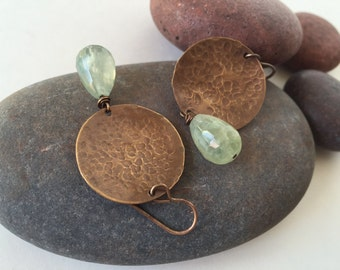 Hammered brass earrings, Green Aventurine Earrings, Embossed, Dangle Earrings, Semiprecious, Natural brass, Jewelry